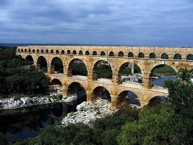 pont du gard france roman ruins