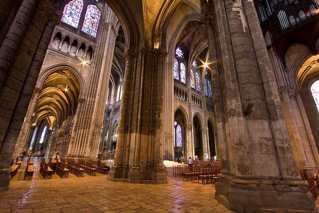 How to get to Chartres from Paris