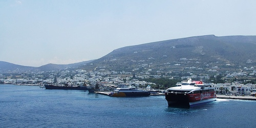 Ferries to and from Santorini