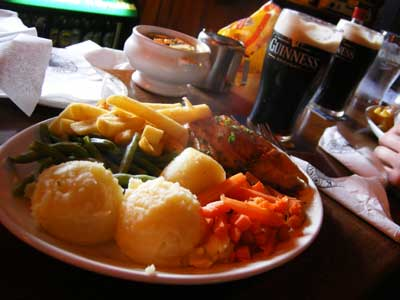 the roast chicken lunch plate and 2 pints of stout at The Shack pub in Athlone