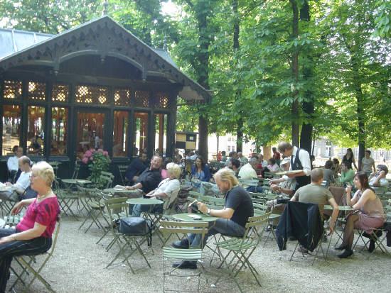 Restaurant paris jardin les jardins du pont neuf a chic for Restaurant dans jardin paris