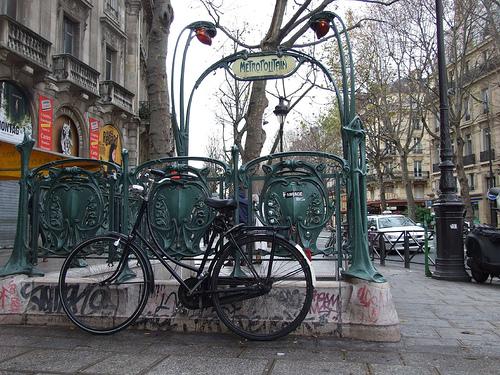 The most beautiful metro stations in paris whygo paris - Saint michel paris metro ...