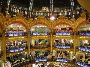 Discount Designer Clothes Paris this giant Paris landmark