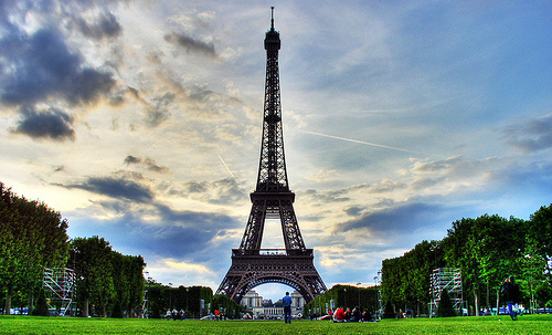 Paris France Travel Guide To Hotels Vacation Apartments